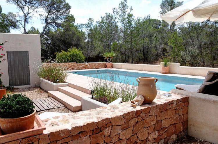 Villa a Formentera in zona tranquilla vicino alla spiaggia di Cala Saona con piscina