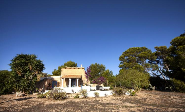 Cottage in Formentera with private garden and internet