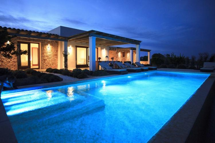 Luxury villa with pool. Short distance from Cala Saona and San Francisco
