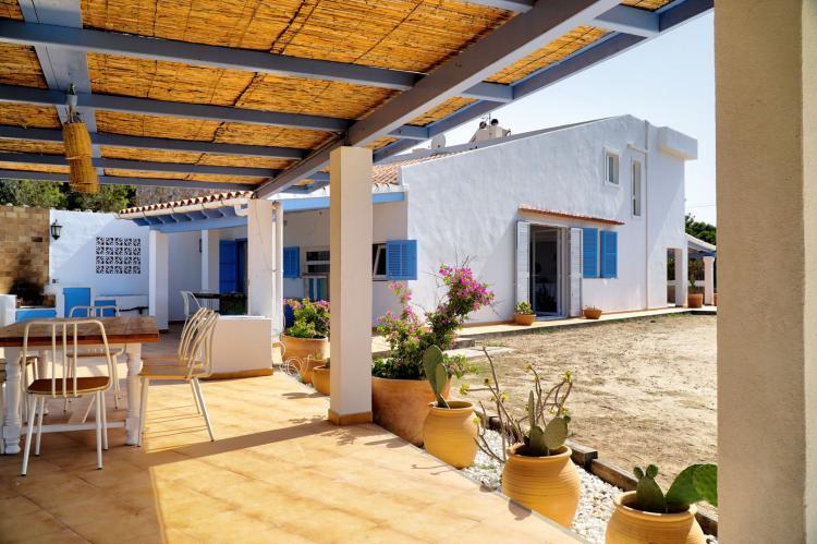 Villa a Formentera a soli 400 metri dalla spiaggia di Migjorn